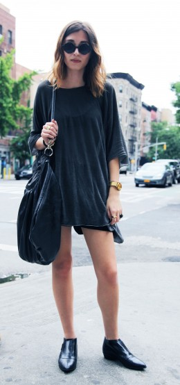 Street Style Snaps: Black on Black on Black