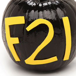 DIY FEST: LABEL-LOVERS FASH-O-LANTERN!